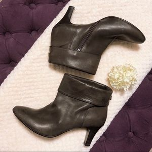 LIU JO MADE IN ITALY 100% LEATHER ANKLE BOOTS $240